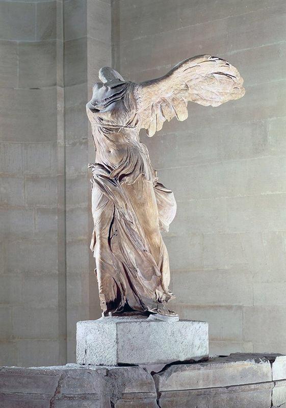 Victoria alada de Samotracia. Louvre. En griego Níke tes Samothrákes [Νίκη τῆς Σαμοθράκης. Periodo helenístico, hacia el 190 a.C.