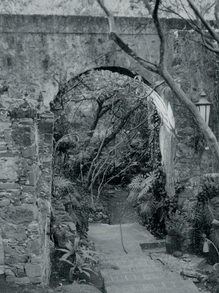"""""""Hernán Cortés tuvo la iniciativa de la edificación de esta hacienda, construyó una de las mejores, en su tiempo fue la más avanzada en términos tecnológicos aprovechando la fuerza hidráulica desde su construcción, cerca de 1530."""""""