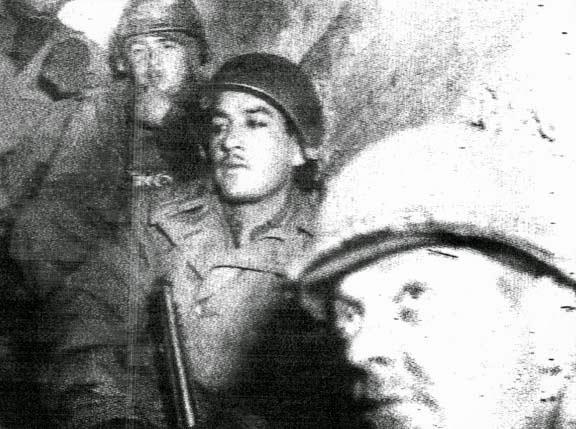Imagen obtenida del negativo que se conservó en el interior de la cámara encontrada. www.husmeandoporlared.com/2014/07/encuentran-camara-segunda-guerra-mundial-revelan-fotos.html.