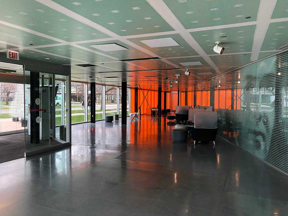 Entrada oeste del Campus Center.  © Fabio Vélez. 2019