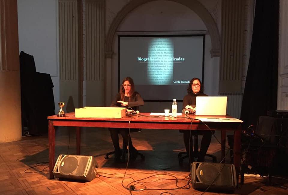 """""""Biografías no autorizadas"""", una  conferencia performática."""