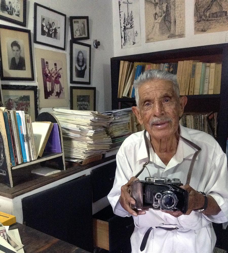 Don Juan Crisóstomo Estrada, cronista y fotógrafo de Taxco, 2019.