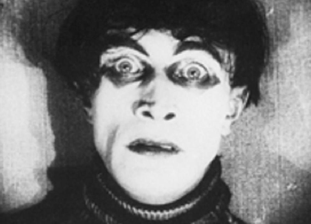 Escena del film Das Cabinet des Dr. Caligar de Robert Weine, 1920.