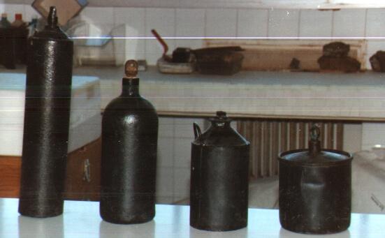 Envases de hierro para envasar mercurio. Museo minero. Minas de Almadén, España. Fotografía: Inés Herrera.
