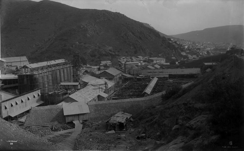Hacienda de Loreto, Pachuca, Hgo. Tanques cianuración. Colección de la autora.