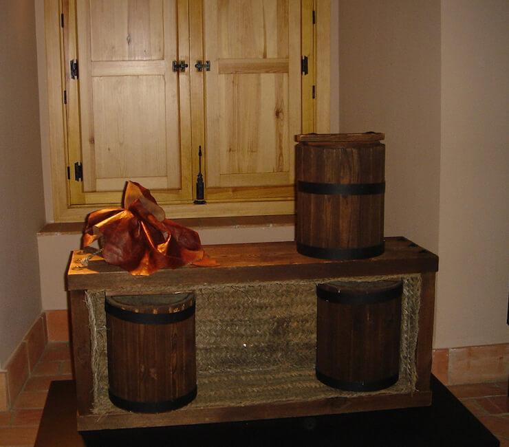 Replica de envases para el embarque de mercurio. Siglo XVI. Museo minero. Minas de Almadén, España. Fotografía: Inés Herrera