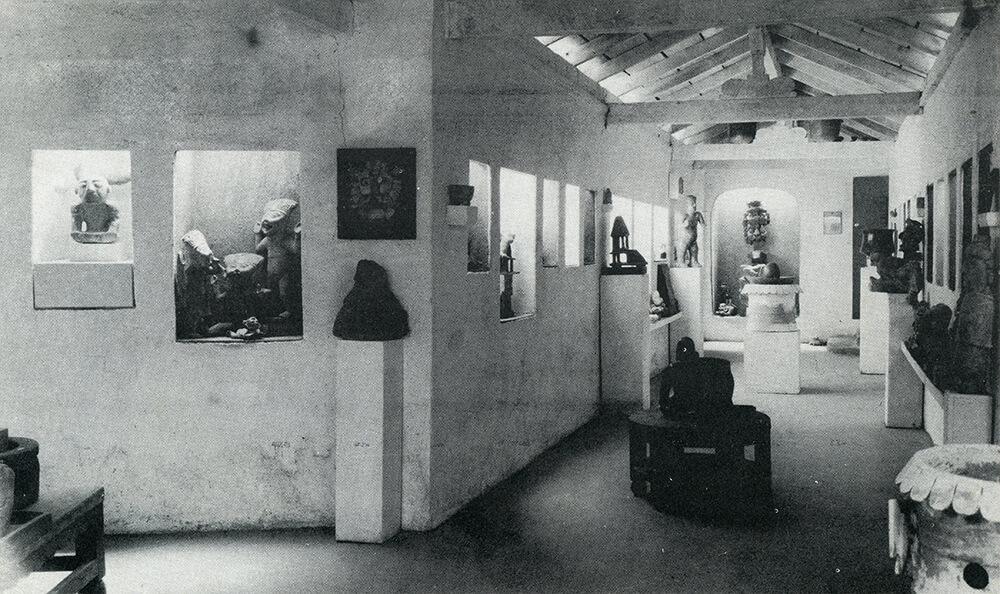La colección de piezas arqueológicas de William Spratling inicialmente se exhibía en una pequeña galería construida al interior de su taller en Taxco el Viejo.