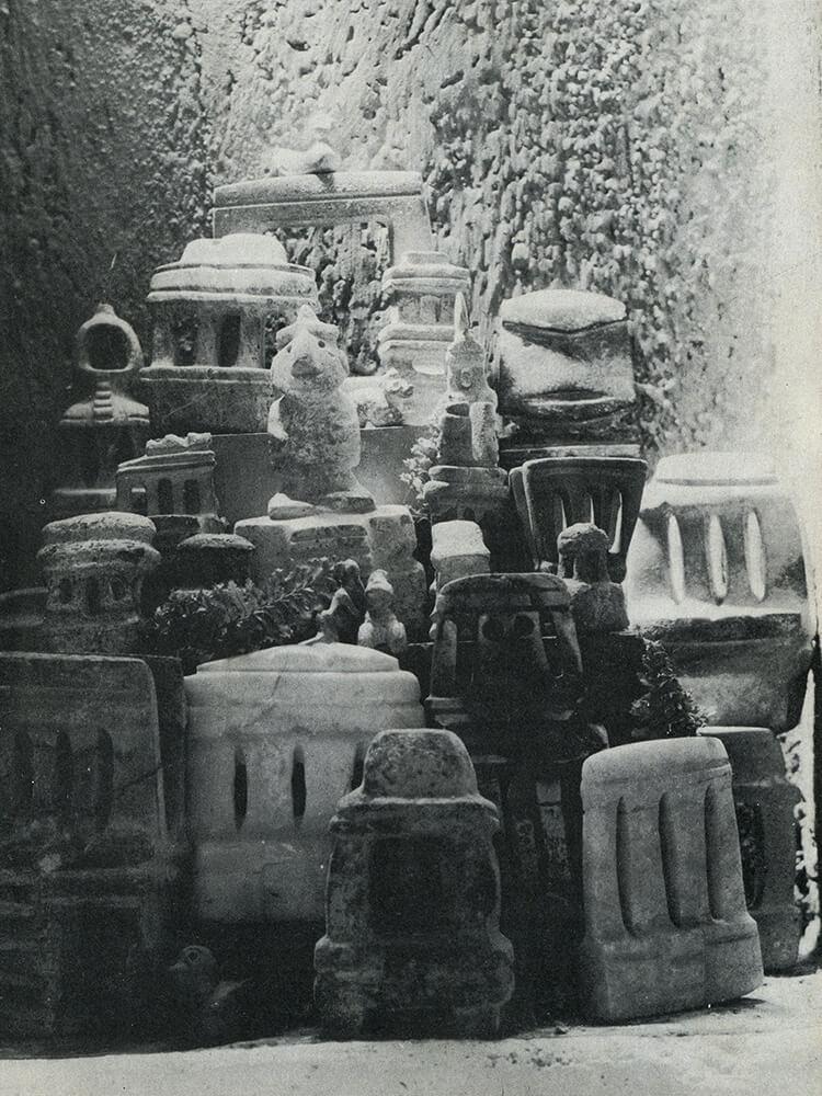 """La exhibición de estas colecciones de objetos era un tema que también resultaba relevante para sus propietarios, pues muchos de ellos construyeron pequeñas galerías particulares al interior de sus casas para resguardar y mostrar a sus amigos sus """"tesoros prehispánicos""""."""